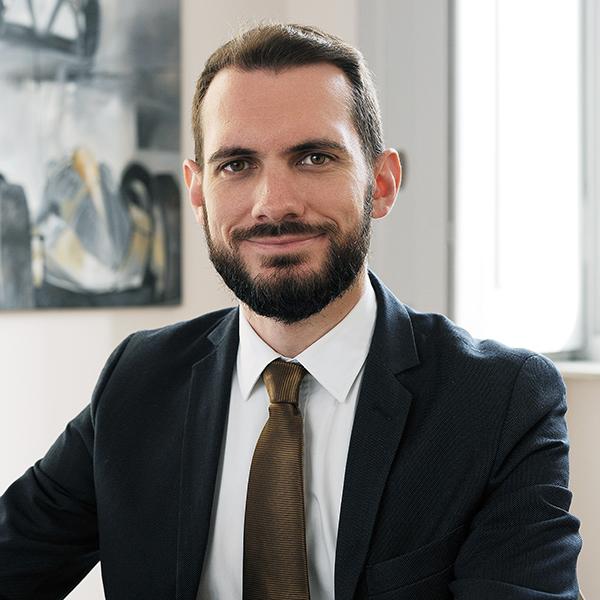 Avv.Carlo Amici